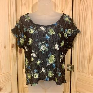 🦋MUDD Blue Lace Floral Pattern Top